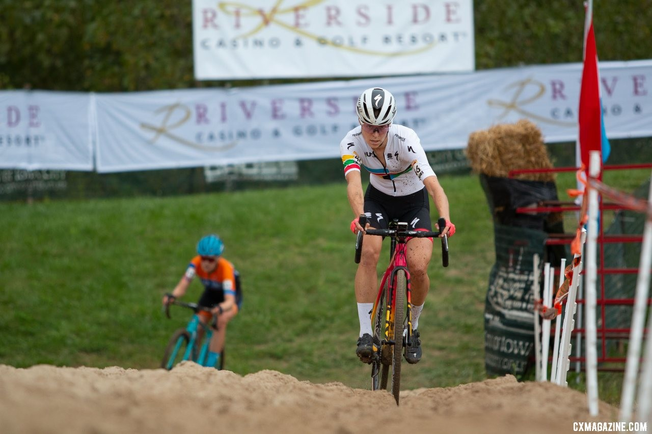Rochette leads Honsinger through the sand pit. 2019 Jingle Cross World Cup. Elite Women. © A. Yee / Cyclocross Magazine