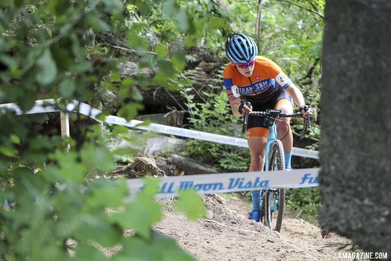 Clara Honsinger had an impressive September to start the new cyclocross season. 2019 Rochester Cyclocross Day 2. © Z. Schuster / Cyclocross Magazine