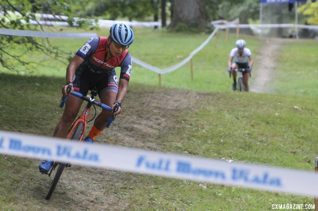 Rebecca Fahringer leads Kaitie Keough in their battle for third. 2019 Rochester Cyclocross Day 2. © Z. Schuster / Cyclocross Magazine