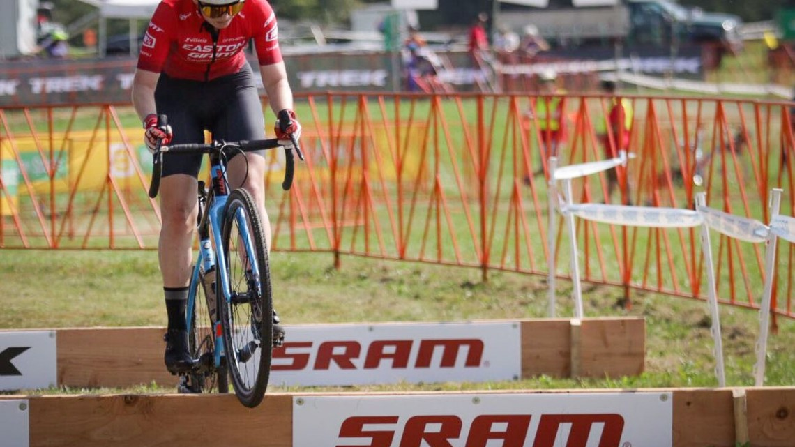 Bridget Tooley hops to her first Helen100 Junior Women's win at the 2019 Trek CX Cup. © D. Mable / Cyclocross Magazine