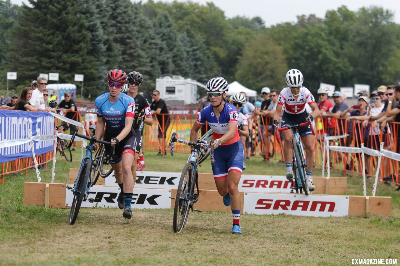 Caroline Mani helped create an early split. Elite Women, 2019 Trek CX Cup. © D. Mable / Cyclocross Magazine