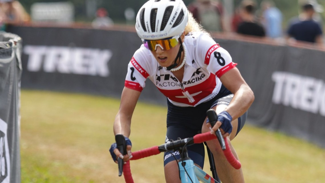 Jolanda Neff sent it in Lap 4 and rode to a win. Elite Women, 2019 Trek CX Cup. © D. Mable / Cyclocross Magazine