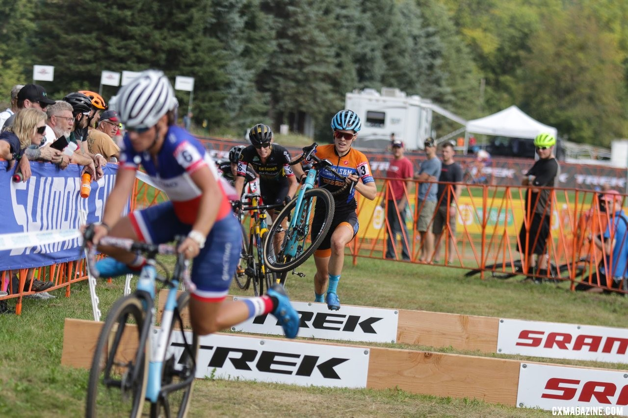 Clara Honsinger and others bridged up to make a lead group of six midway through the race. Elite Women, 2019 Trek CX Cup. © D. Mable / Cyclocross Magazine