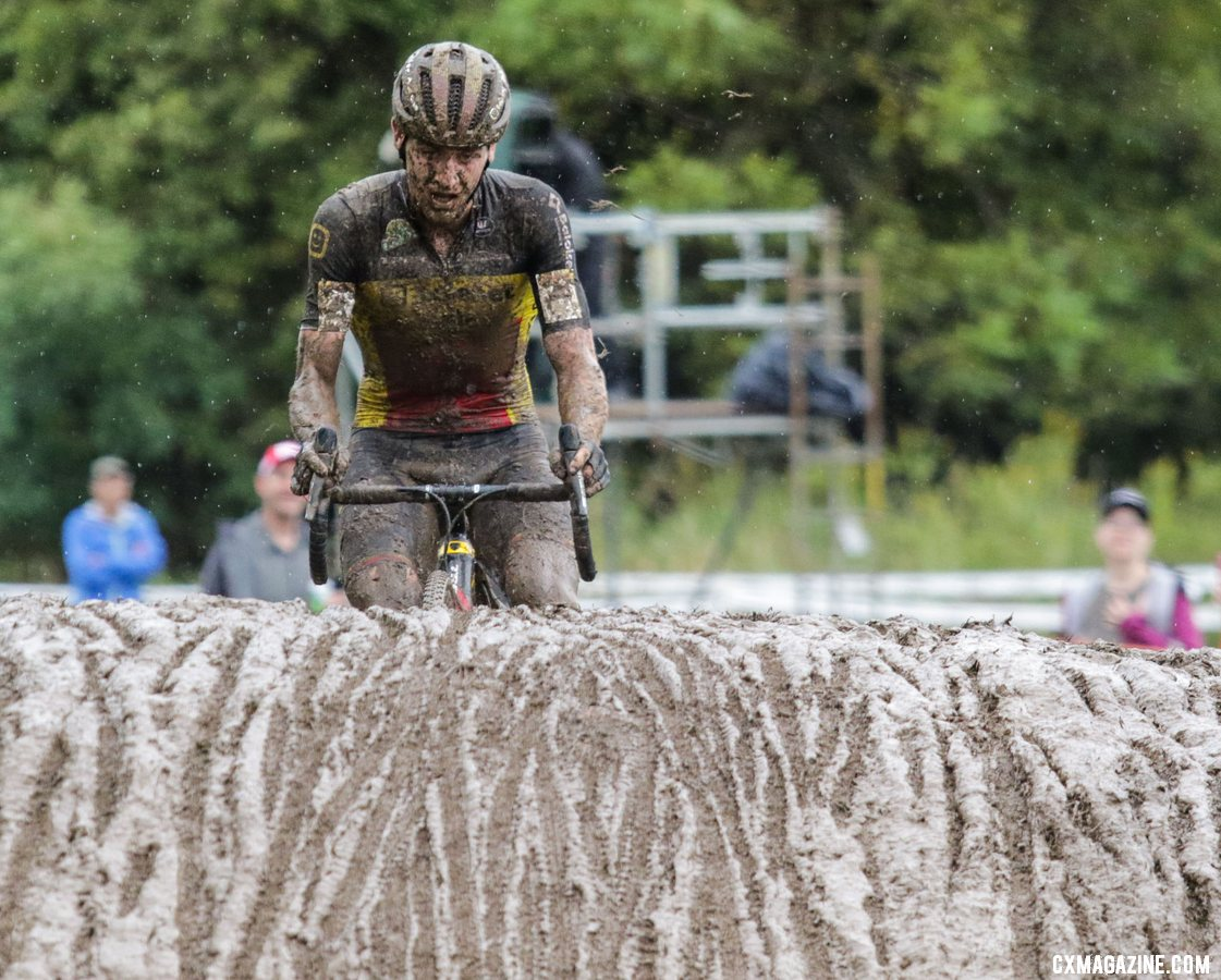 Aerts navigated the mud to second. 2019 World Cup Waterloo. © D. Mable / Cyclocross Magazine