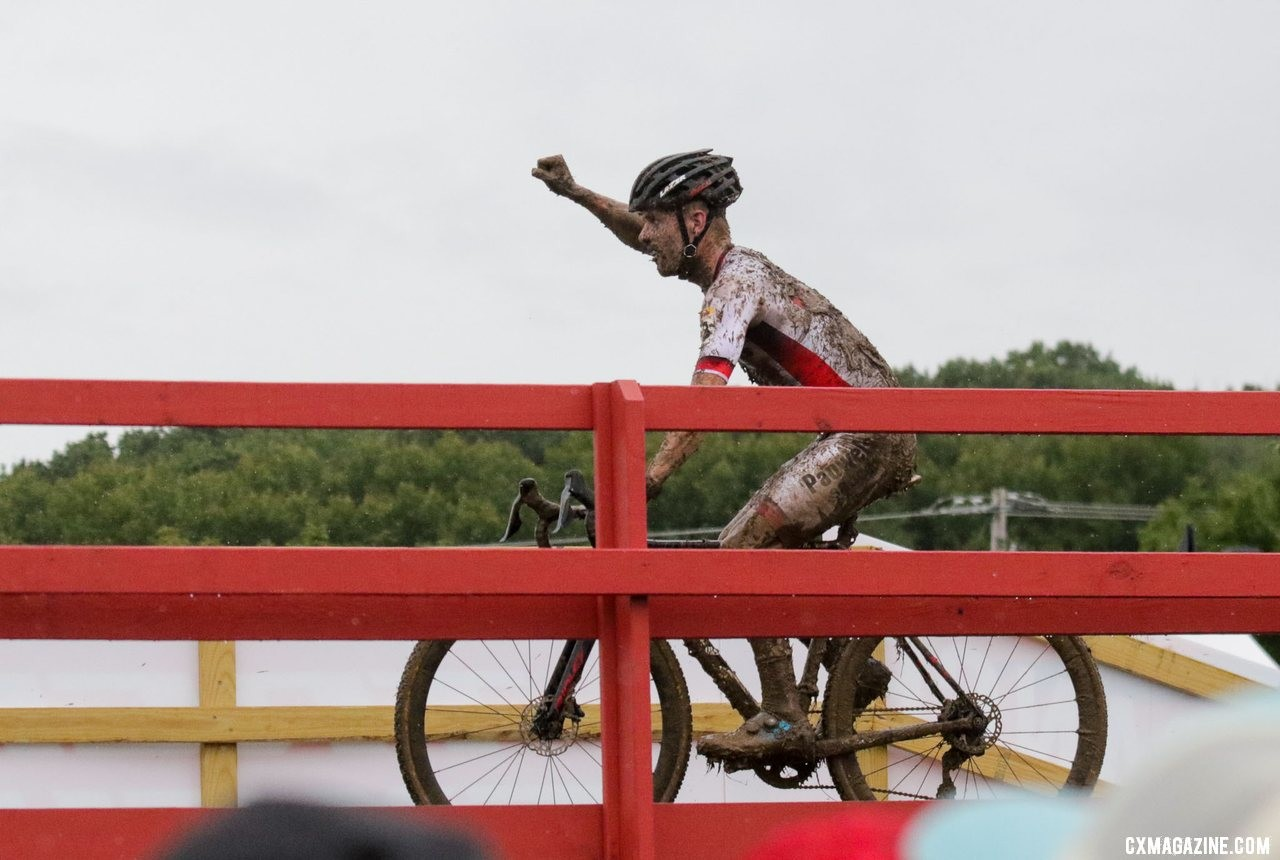 Iserbyt celebrates his 2019 World Cup Waterloo win. © D. Mable / Cyclocross Magazine