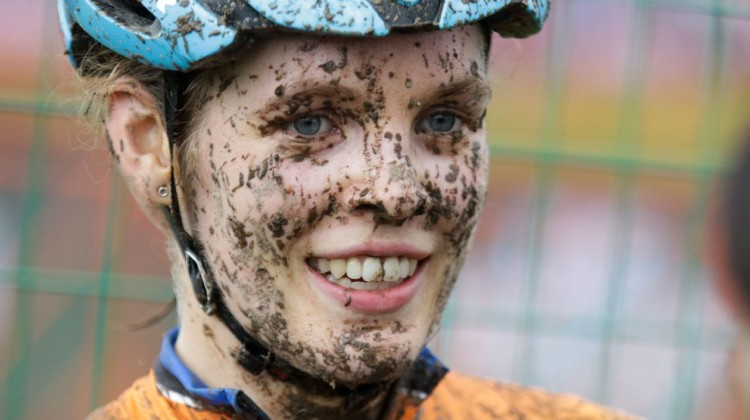 Clara Honsinger came away with a gritty fourth-place finish. 2019 World Cup Waterloo, Elite Women. © D. Mable / Cyclocross Magazine