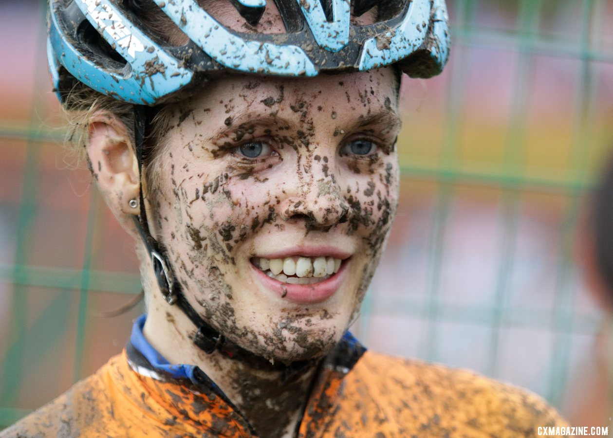 Clara Honsinger was strong in the mud yet again at FayetteCross Day 2. 2019 World Cup Waterloo, Elite Women. © D. Mable / Cyclocross Magazine