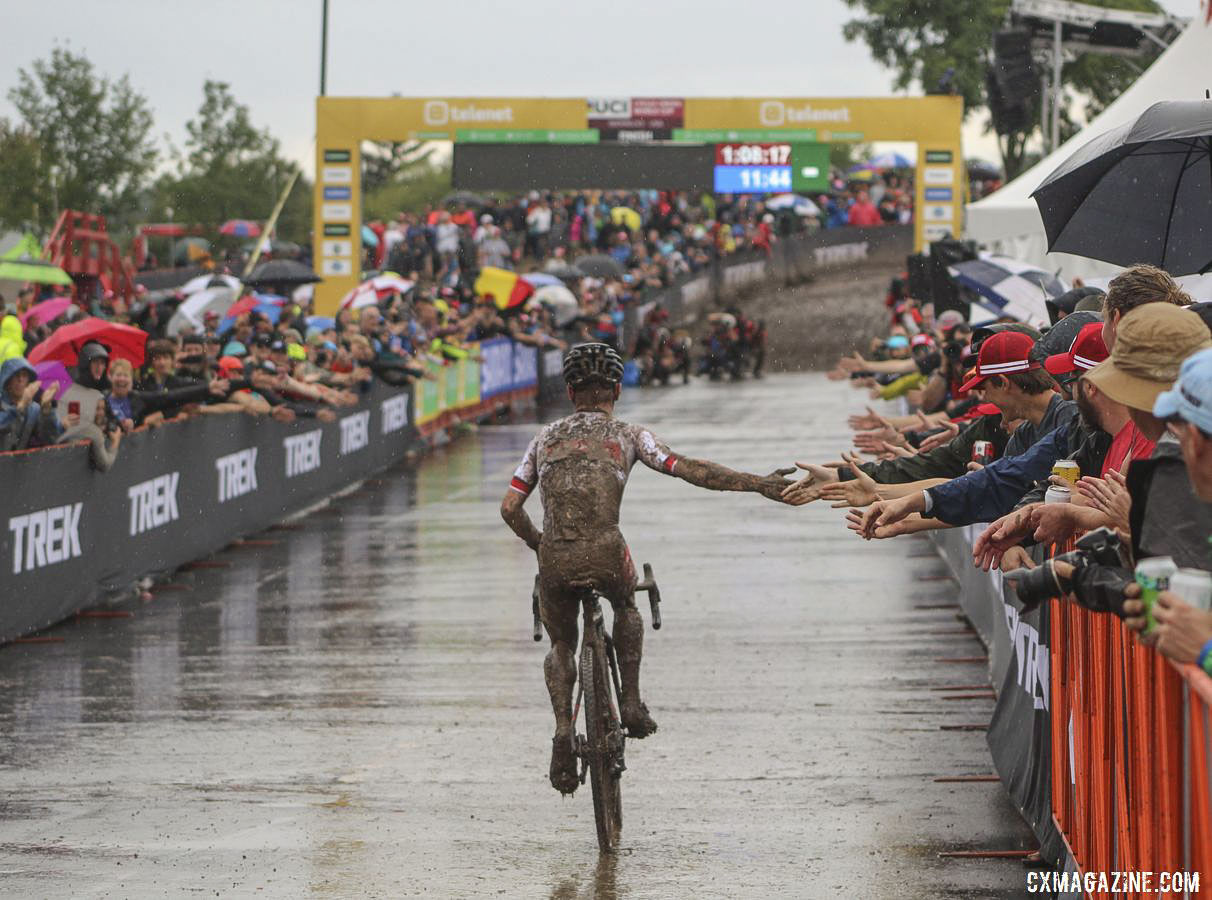 Eli Iserbyt was a man of the people in celebrating his World Cup Waterloo win. 2019 World Cup Waterloo. © Z. Schuster / Cyclocross Magazine