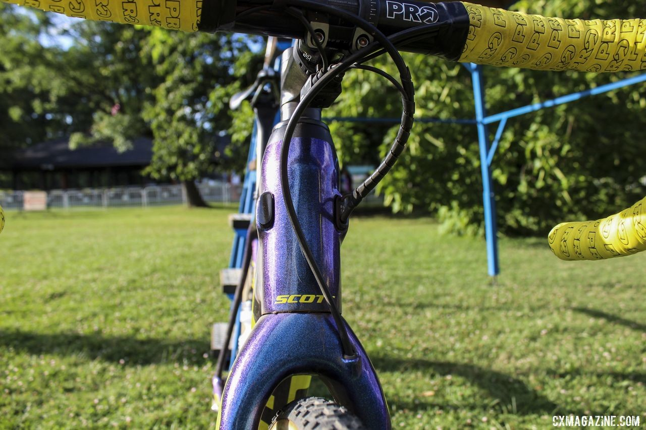 The Addict CX routes cables internally through the frame and fork. Vincent Baestaens Rochester Day 1 Winning Scott Addict CX. © Z. Schuster / Cyclocross Magazine