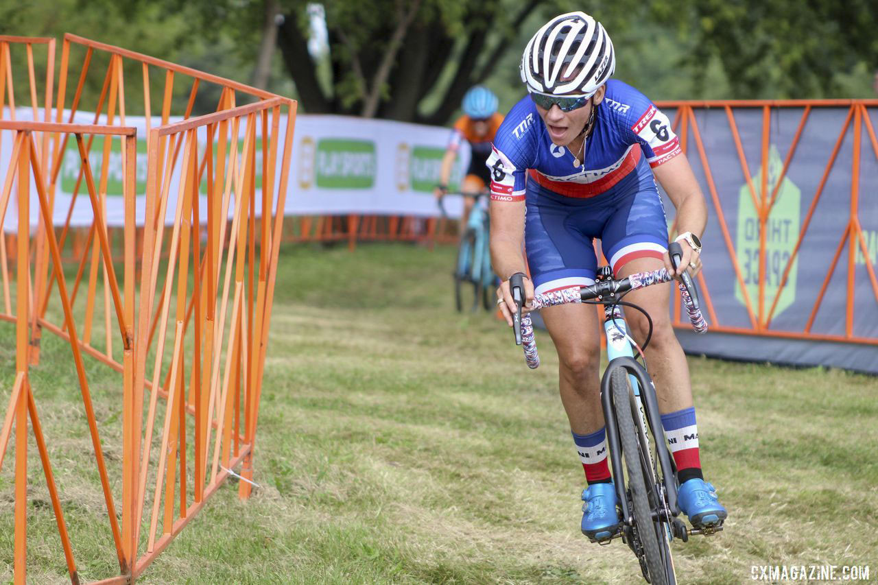 Caroline Mani was aggressive and went all-in in Friday's race. 2019 Trek CX Cup. © Z. Schuster / Cyclocross Magazine