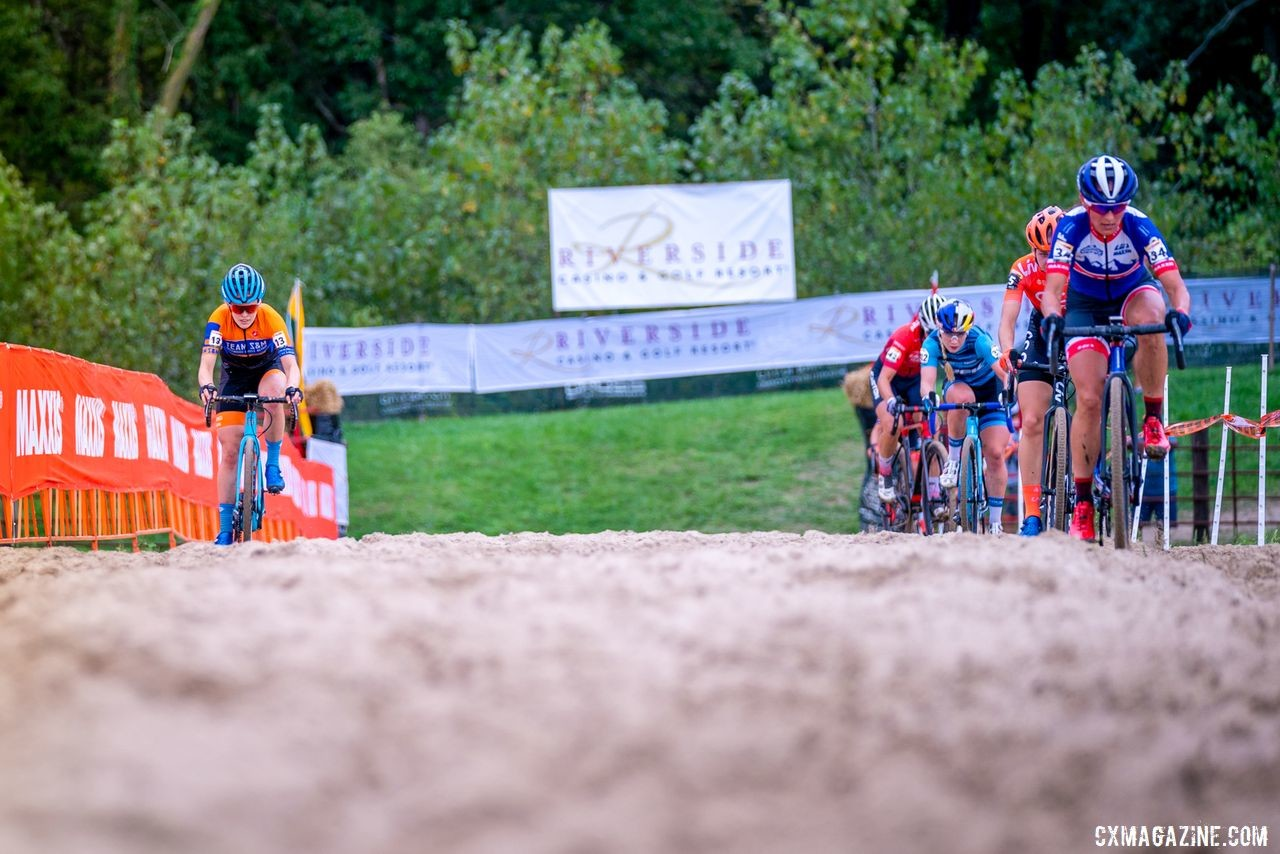 Clara Honsinger stood out by taking the right line in the sand. 2019 Jingle Cross Weekend. © Drew Coleman
