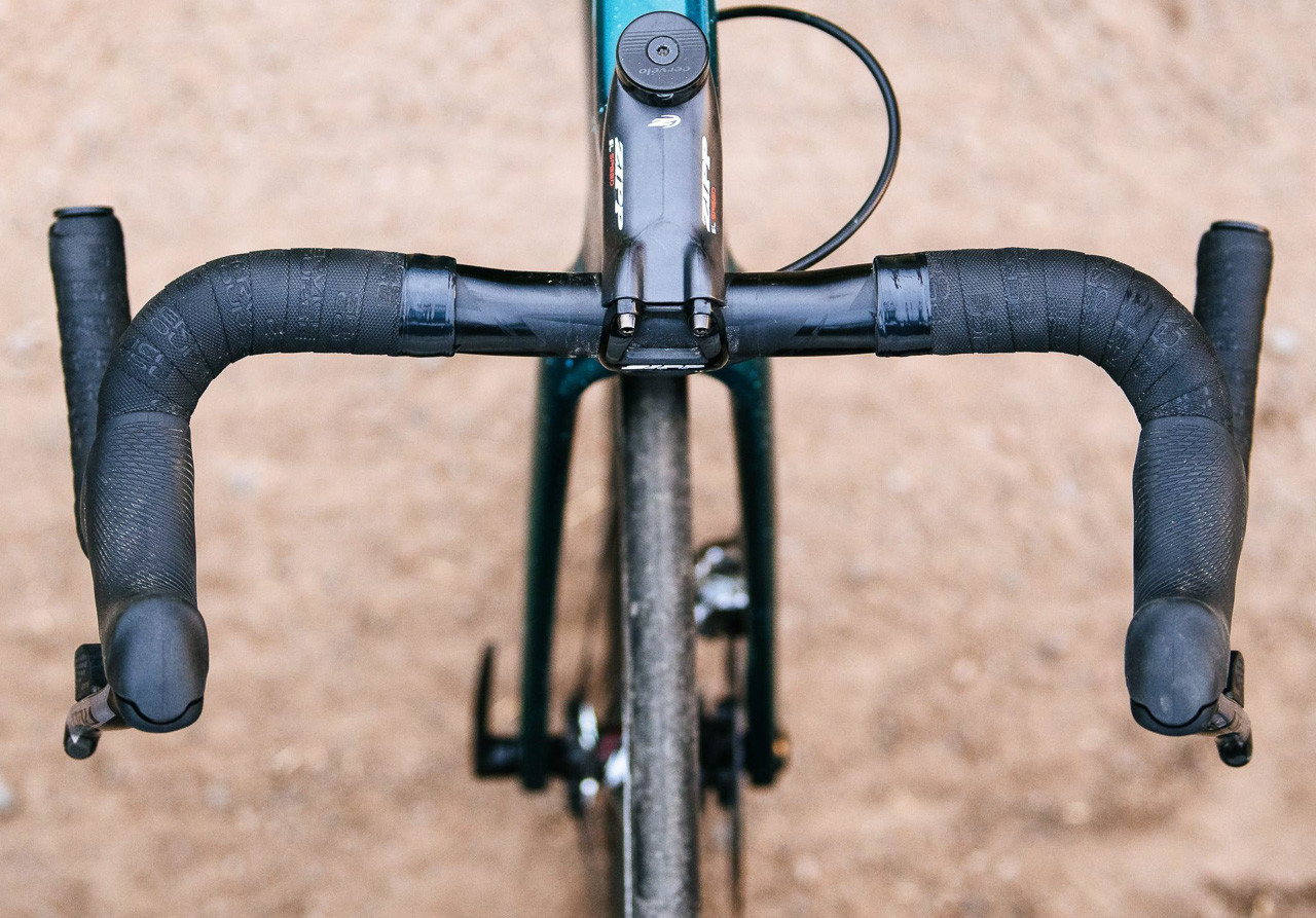 Zipp's new Service Course SL 70 XPLR gravel handlebar. photo: Zipp