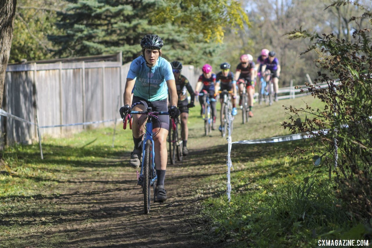 Austin Killips leads the Women's 3/4 field early on. 2019 Sunrise Park Cyclocross, Chicago Cross Cup. © Z. Schuster / Cyclocross Magazine
