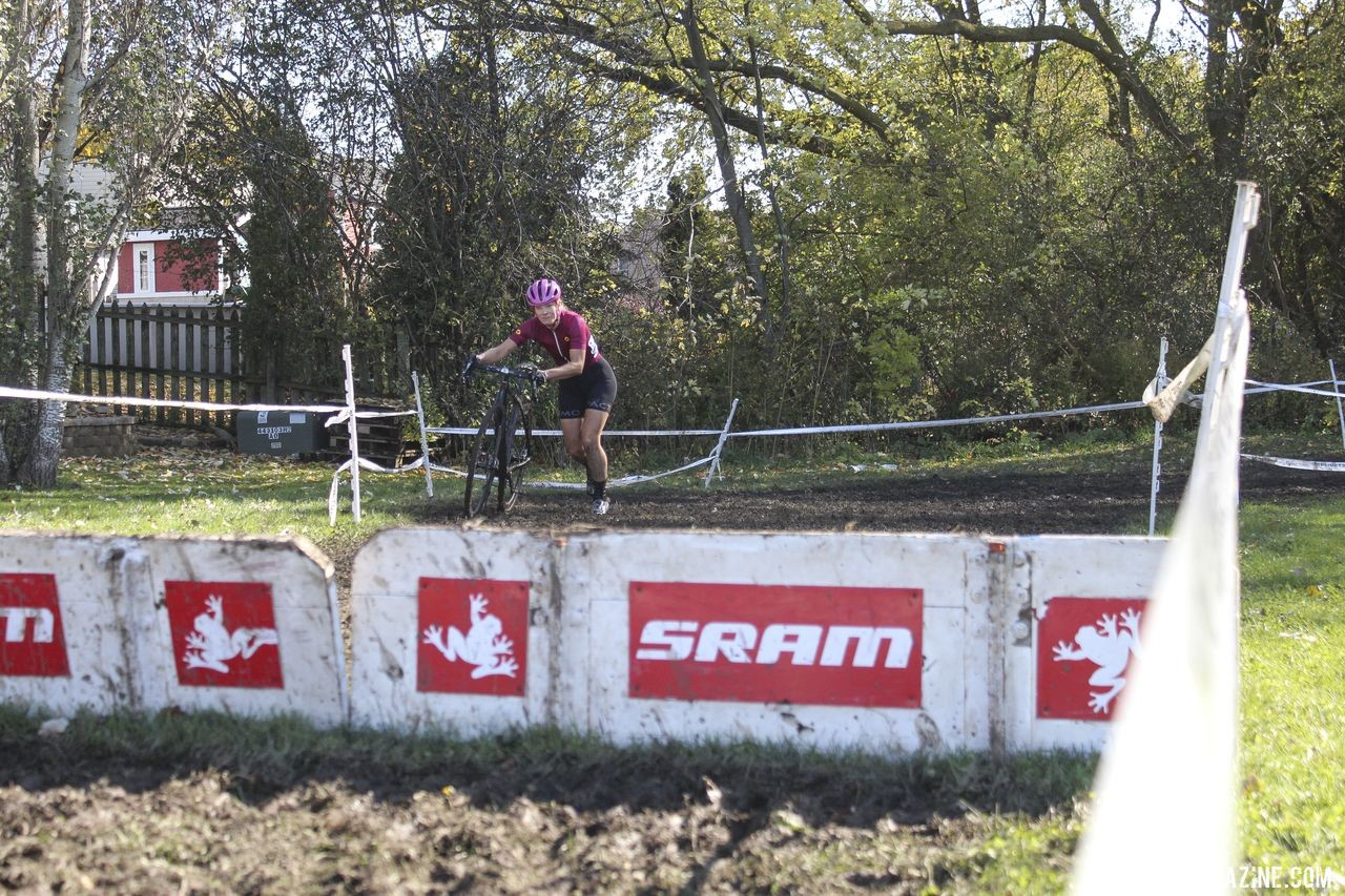 Thick mud made the barriers challenging to get to. 2019 Sunrise Park Cyclocross, Chicago Cross Cup. © Z. Schuster / Cyclocross Magazine