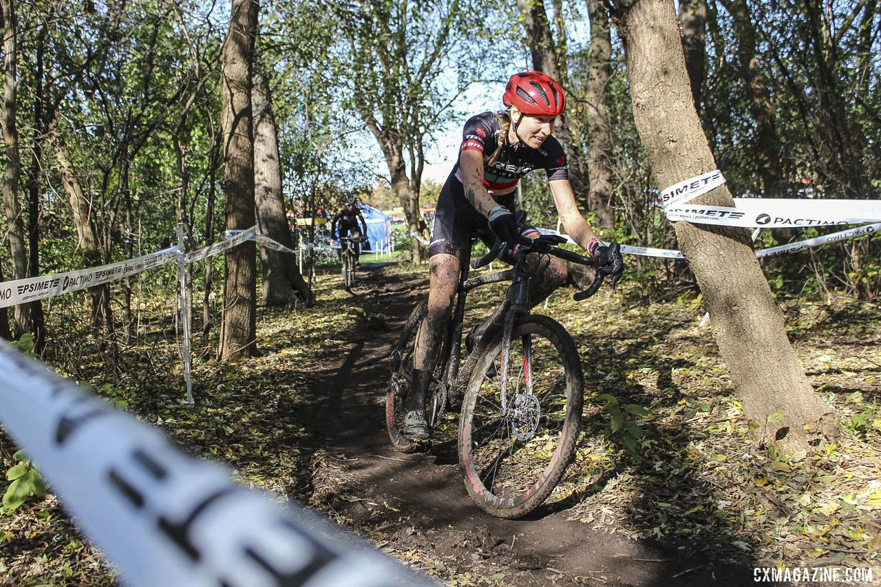 April Beard worked hard to go solo off the front. 2019 Sunrise Park Cyclocross, Chicago Cross Cup. © Z. Schuster / Cyclocross Magazine