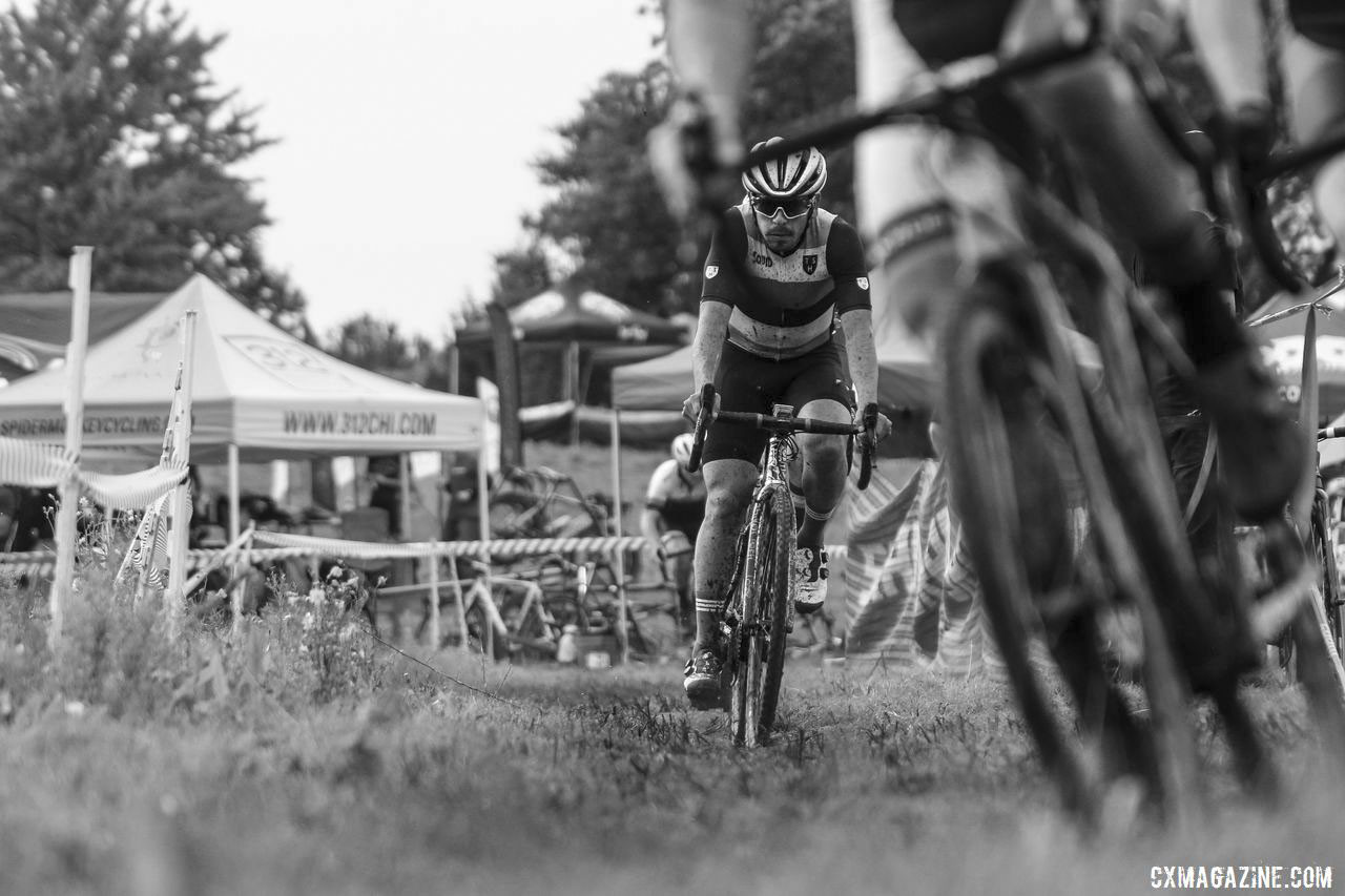 David Reyes bridges up to the two leaders. 2019 CCC Hopkins Park CX at Indian Lakes. © Z. Schuster / Cyclocross Magazine