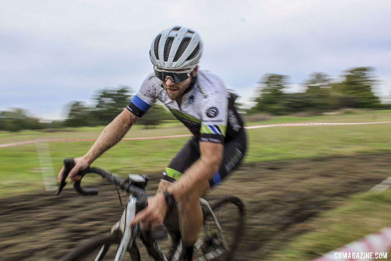 Matt Riley stayed focused during his impressive 2nd-place ride. 2019 CCC Hopkins Park CX at Indian Lakes. © Z. Schuster / Cyclocross Magazine