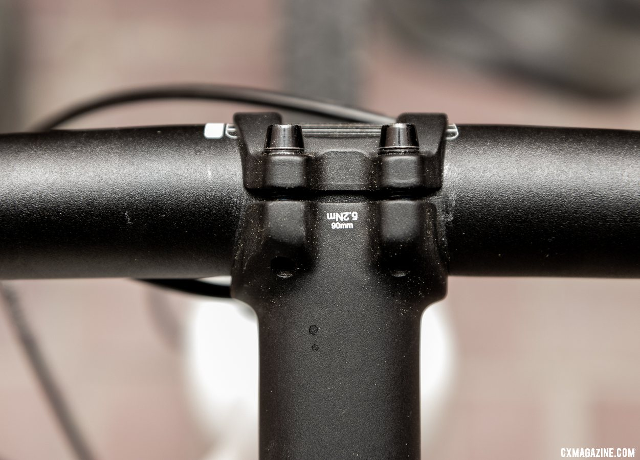 The Noble handlebar has a comfortable shape with a flat back and top - no obvious clamp bulge. © A. Yee / Cyclocross Magazine