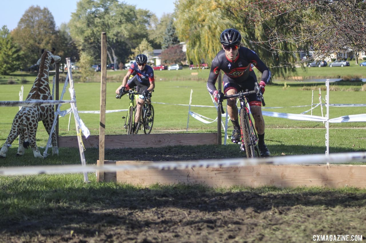 Jeremy Bloyd-Peshkin hops through the barriers in Lap 1. 2019 Sunrise Park Cyclocross, Chicago Cross Cup. © Z. Schuster / Cyclocross Magazine