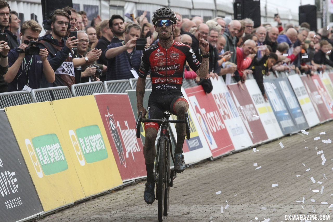 Eli Iserbyt took his fourth win of the season at Gieten. 2019 Superprestige Gieten. © B. Hazen / Cyclocross Magazine