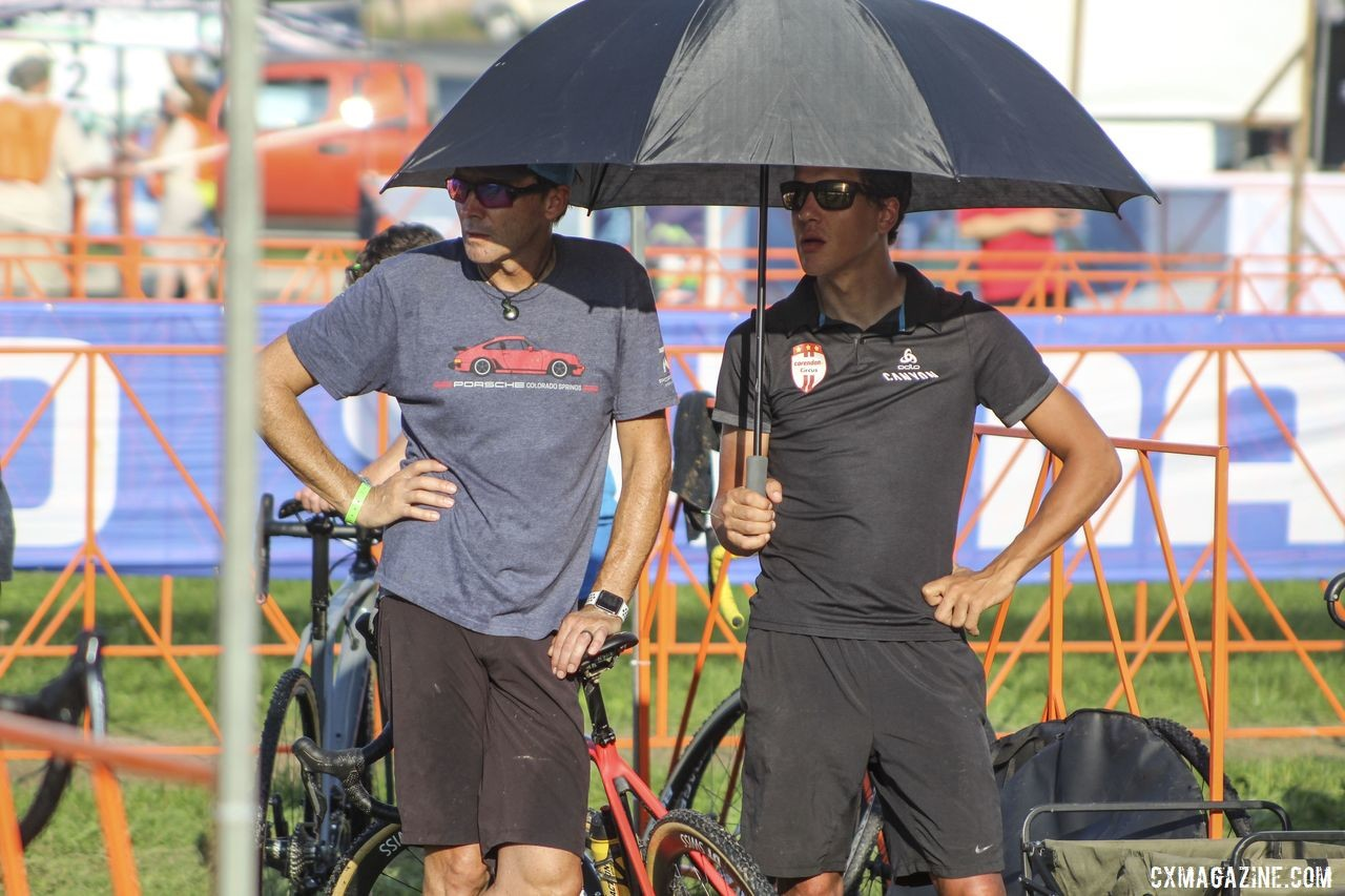 Tom Meeusen worked the pits for Gianni Vermeersch during the hot and muggy Jingle Cross C1. © Cyclocross Magazine
