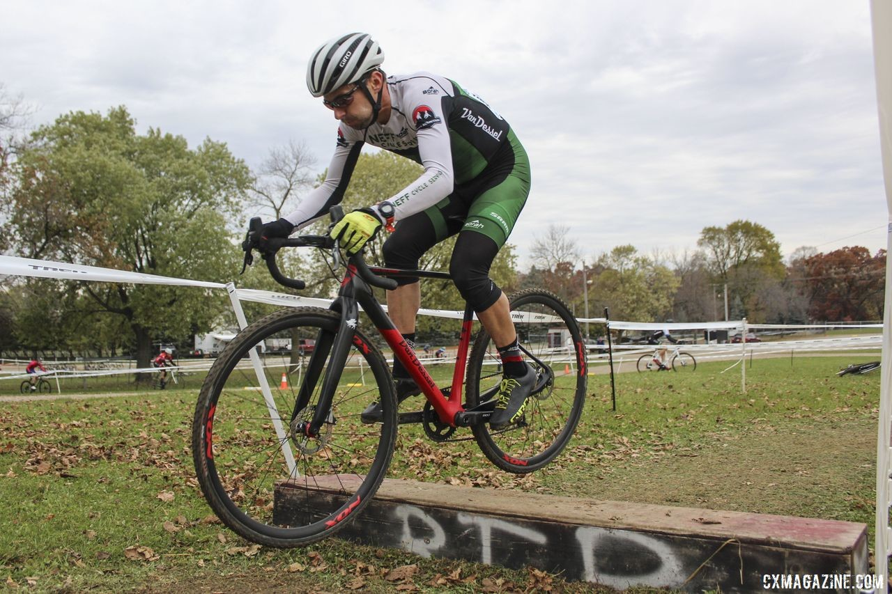 Once he got a lead, Corey Stelljes held it to the finish. 2019 Cross Fire Halloween Race, Wisconsin. © Z. Schuster / Cyclocross Magazine