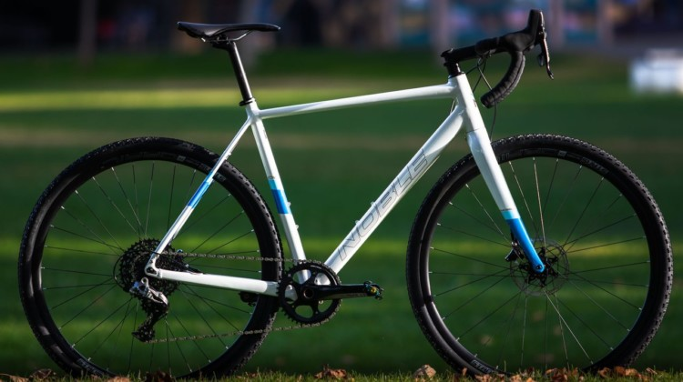The $1999 Noble CX3 alloy cyclocross bike delivers planty of value in a race-ready rig. © A. Yee / Cyclocross Magazine