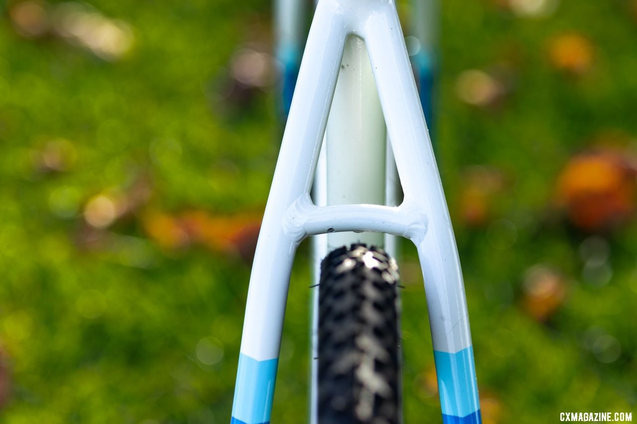 The Noble CX3 alloy cyclocross bike has more clearance at the seatstays than the chainstays. © A. Yee / Cyclocross Magazine
