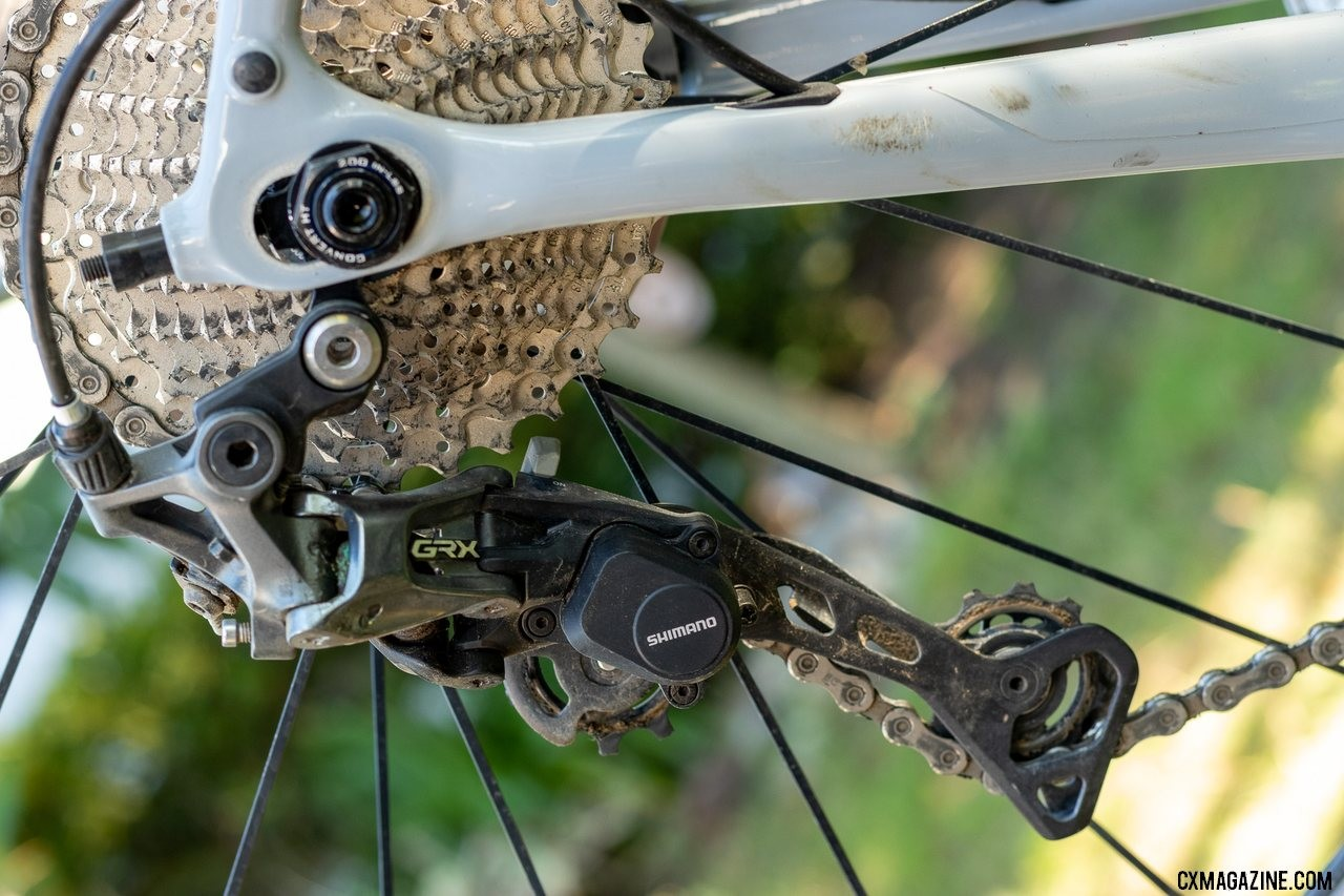 Shimano's gravel-oriented GRX mechanical components include a 1x and 2x rear derailleur. The RX812 pictured is designed for 1x drivetrains and rear cassettes with up to a 42t large cog. © A. Yee / Cyclocross Magazine
