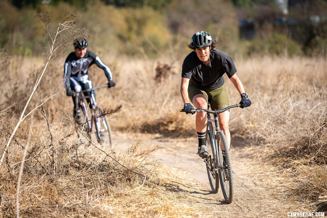 Surf City featured some of the world's best including Tracklocross World Champion Michelle Willcox, one of several world champs to line up. 2019 Surf City CX. © Jeff Vander Stucken