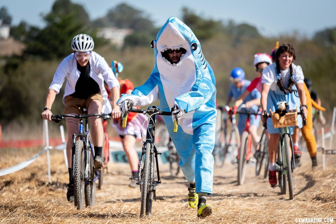 Whats a costume race without a shark, a scientist and Dorothy and Toto? 2019 Surf City CX. © Jeff Vander Stucken