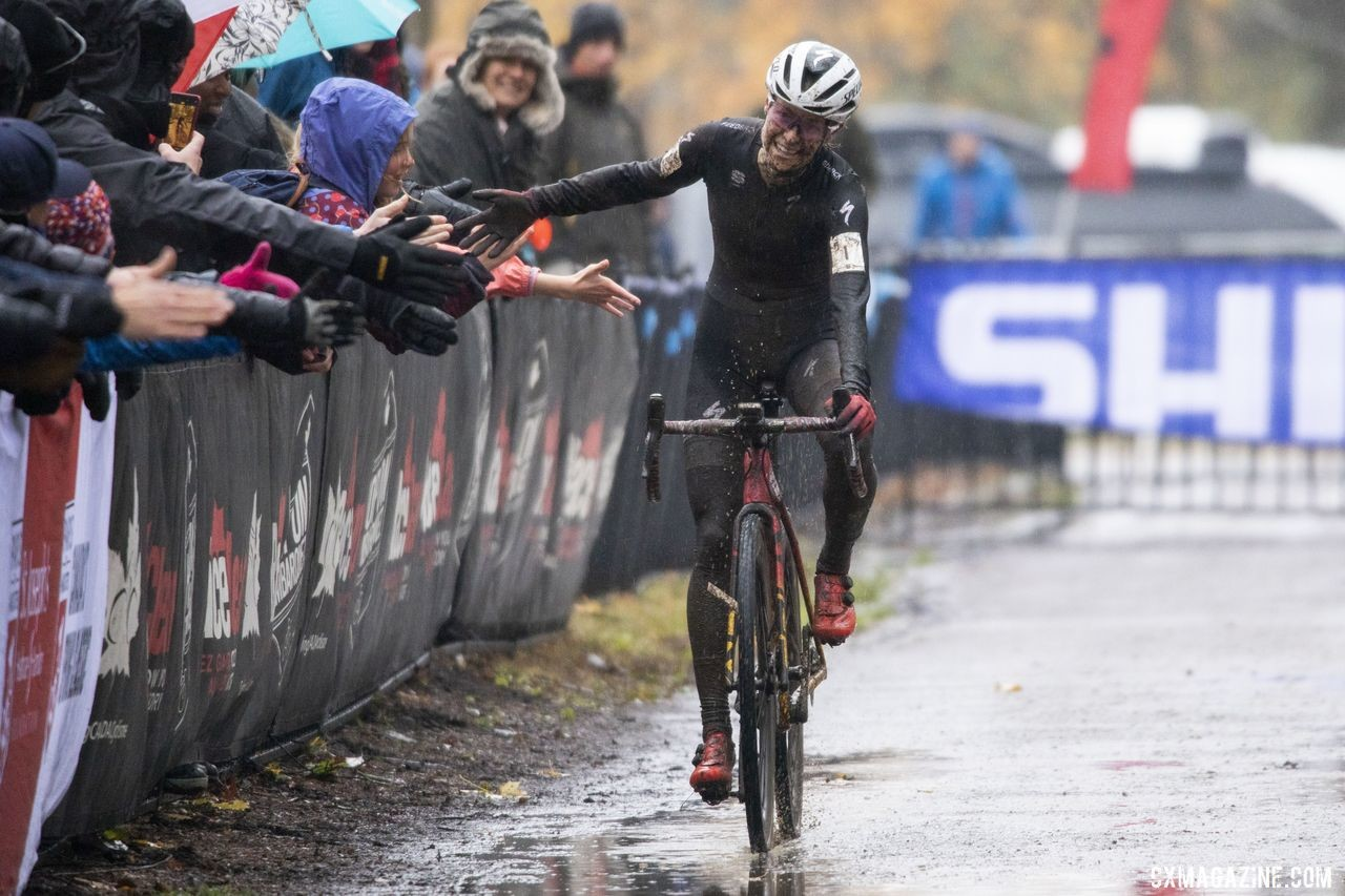 2019 Shimano Canadian Cyclocross Maghalie Rochette celebrates her second-straight National Championship. National Championships. © Nick Iwanyshyn