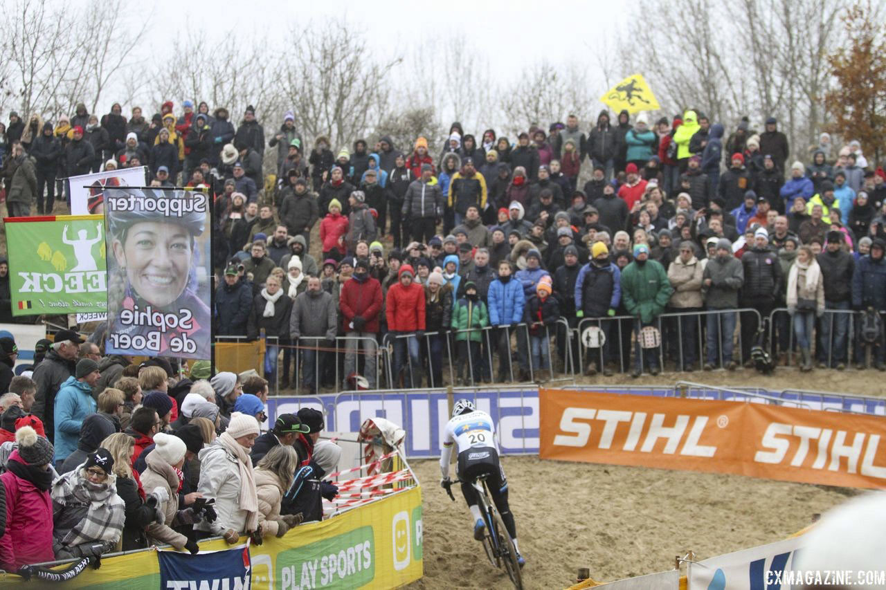The sand dunes of Koksijde await this weekend. 2018 World Cup Koksijde. © B. Hazen / Cyclocross Magazine
