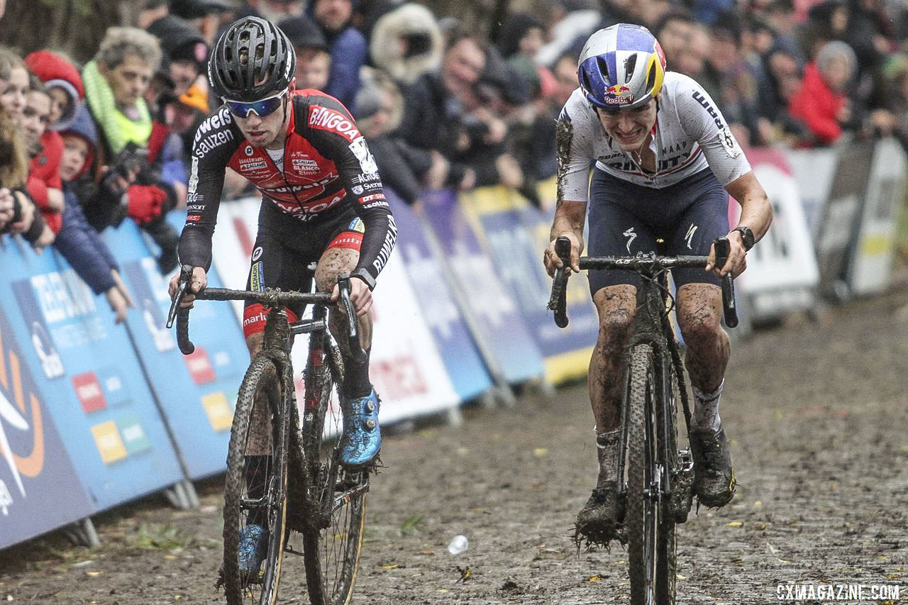 Top Pidcock joined Eli Iserbyt with two to go after Iserbyt's mechanical. 2019 DVV Trofee Koppenbergcross. © B. Hazen / Cyclocross Magazine