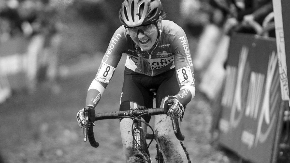 Eva Lechner grits her way up the Koppenberg. 2019 DVV Trofee Koppenbergcross. © B. Hazen / Cyclocross Magazine
