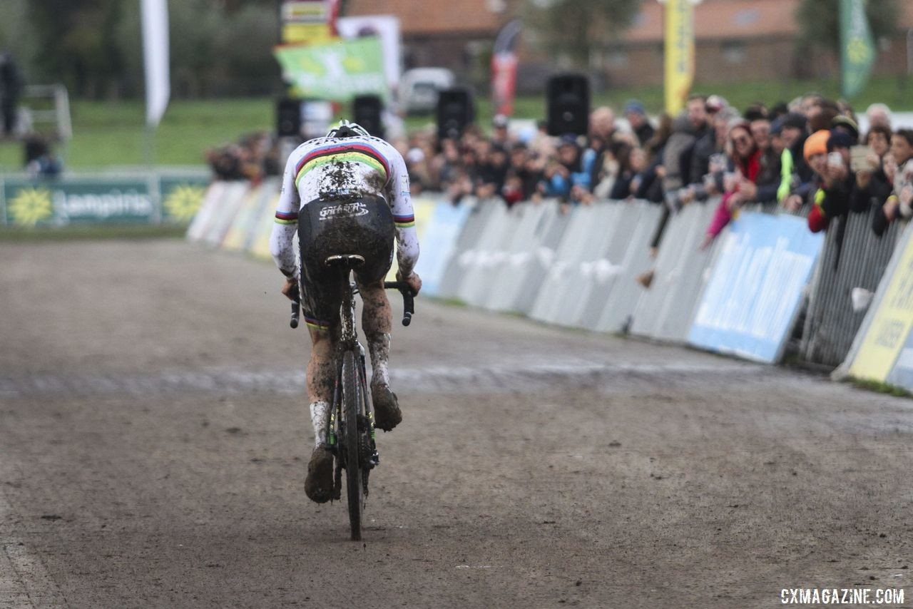 Mathieu van der Poel had no one in front of him with one to go. 2019 Superprestige Ruddervoorde. © B. Hazen / Cyclocross Magazine