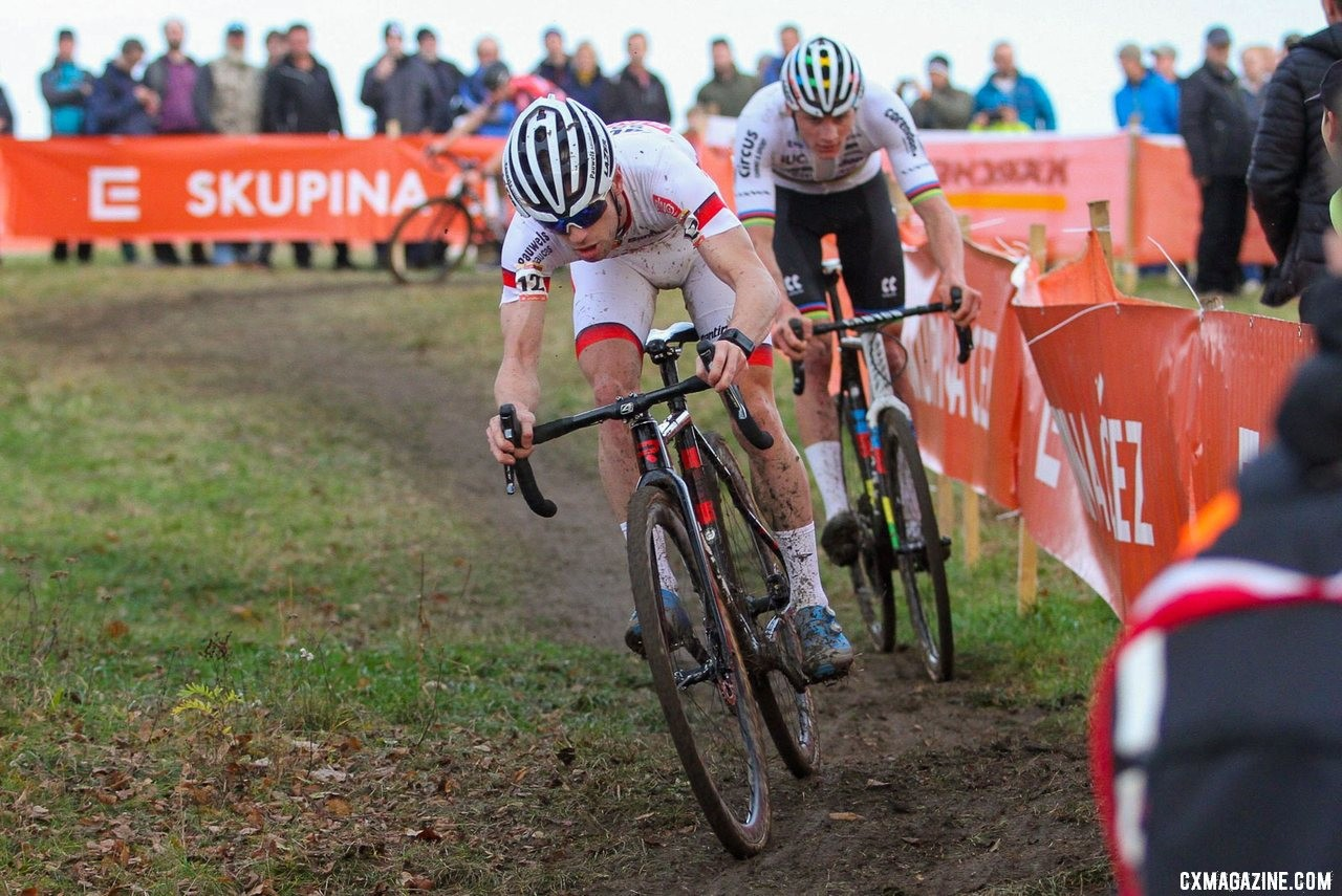 The 2019 UCI Cyclocross World Cup Men's race in Tabor was a thrilling battle between Eli Iserbyt and Mathieu van der Poel. © B. Hazen / Cyclocross Magazine