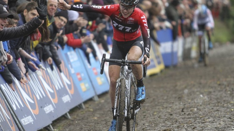 An exhausted but satisfied Kastelijn celebrates her win. 2019 Koppenbergcross. © B. Hazen / Cyclocross Magazine