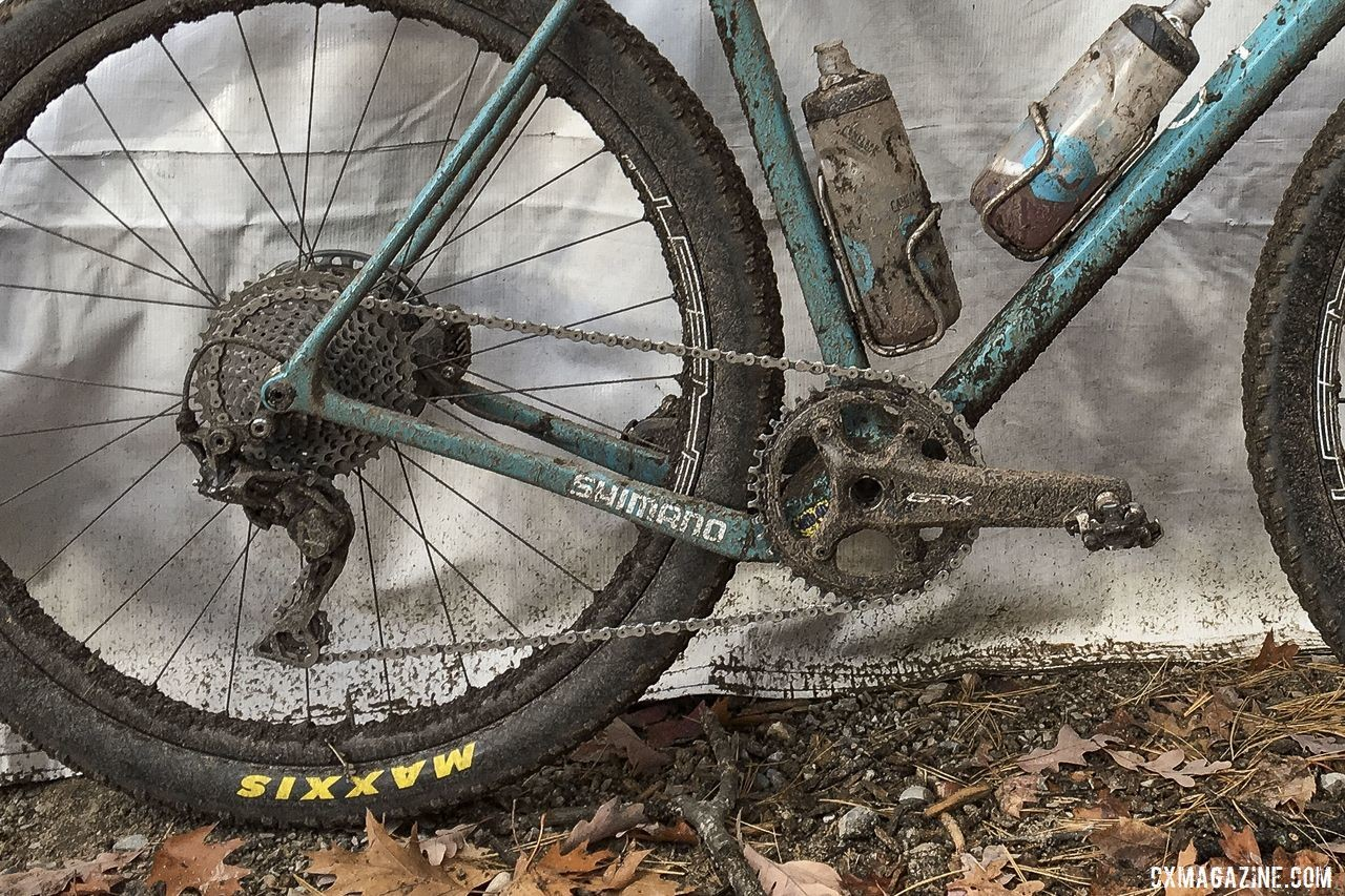 The chainstays on the WI.DE. are dropped for more clearance. Geoff Kabush's 2019 Iceman Cometh OPEN WI.DE. © B. Grant / Cyclocross Magazine