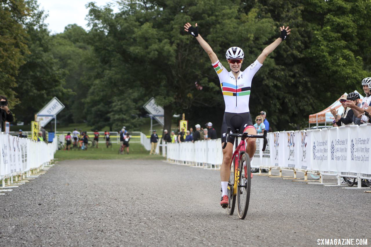 The Pan-American Champion's jersey is highly coveted. 2019 Rochester Cyclocross Day 2. © Z. Schuster / Cyclocross Magazine