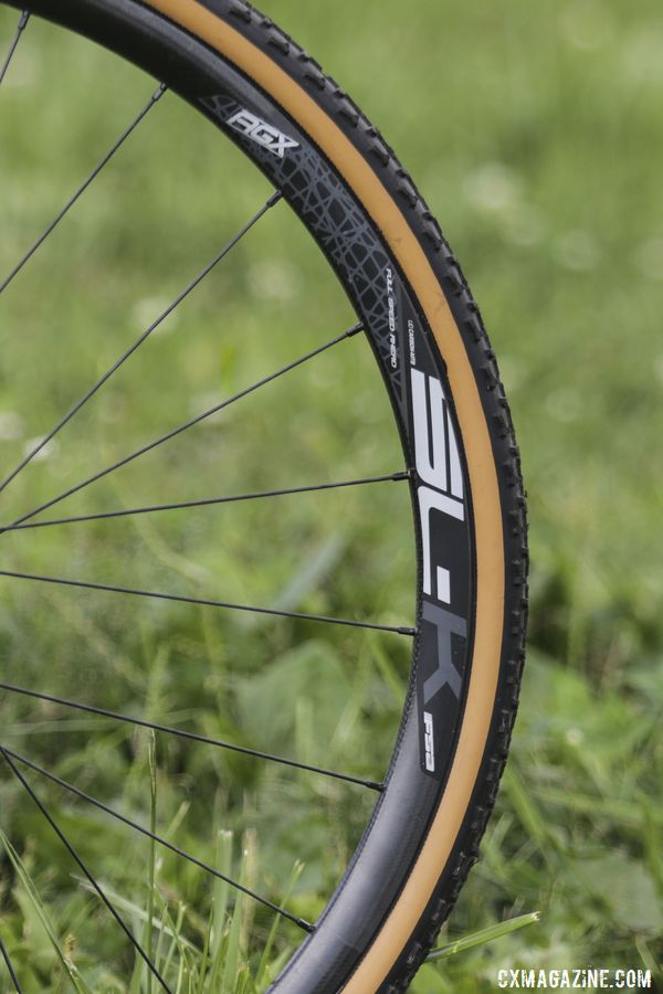 When we saw Hecht's bike, he had FSA AGX SL-K carbon tubeless clincher wheels mounted on it. Gage Hecht's 2019 Donnelly C//C Cyclocross Bike. © Z. Schuster / Cyclocross Magazine
