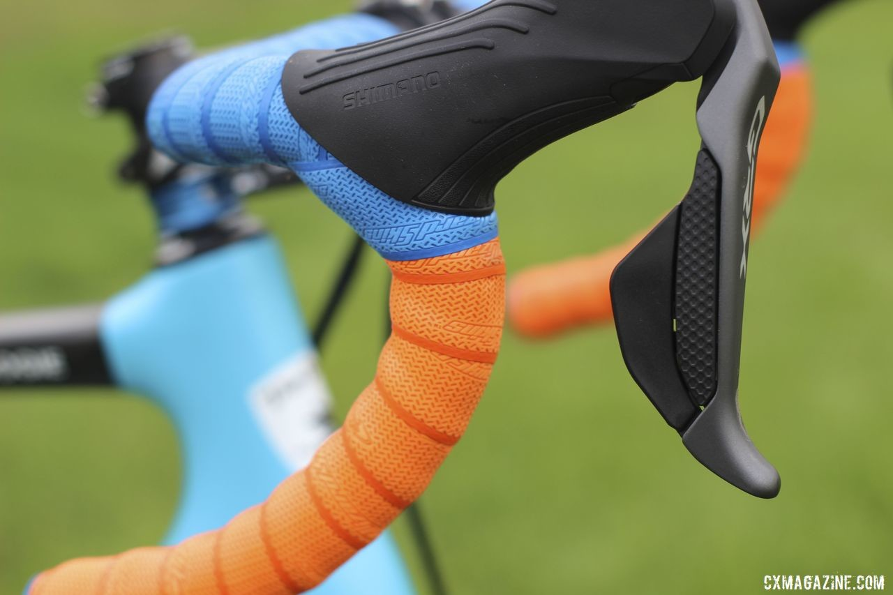 Blue on top, orange on the drops for Gilbert's Lizard Skins tape. Sunny Gilbert's 2019/20 Van Dessel Full Tilt Boogie. © Z. Schuster / Cyclocross Magazine