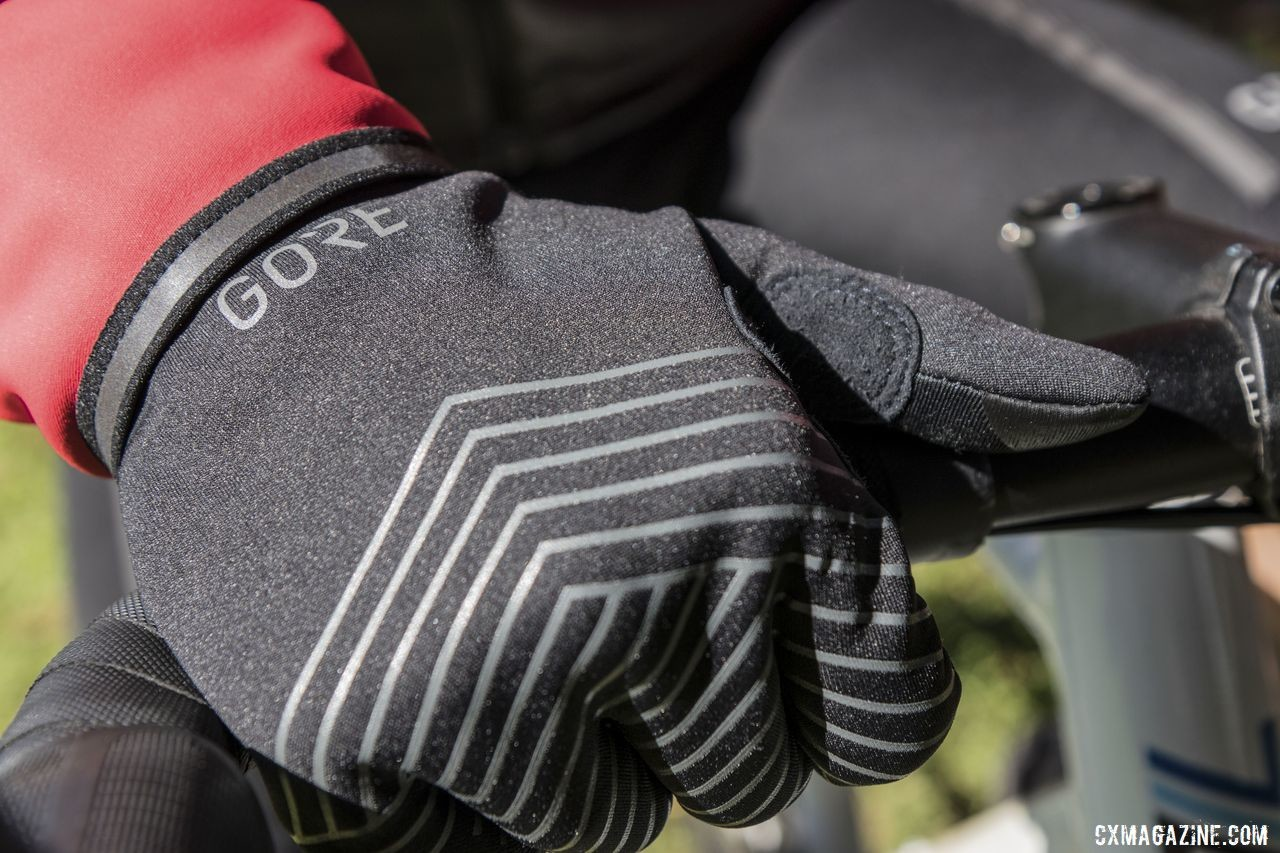 We found the Infinium Stretch Gloves to have good finger dexterity. Gore Gore-Tex Infinium Line. © C. Lee / Cyclocross Magazine