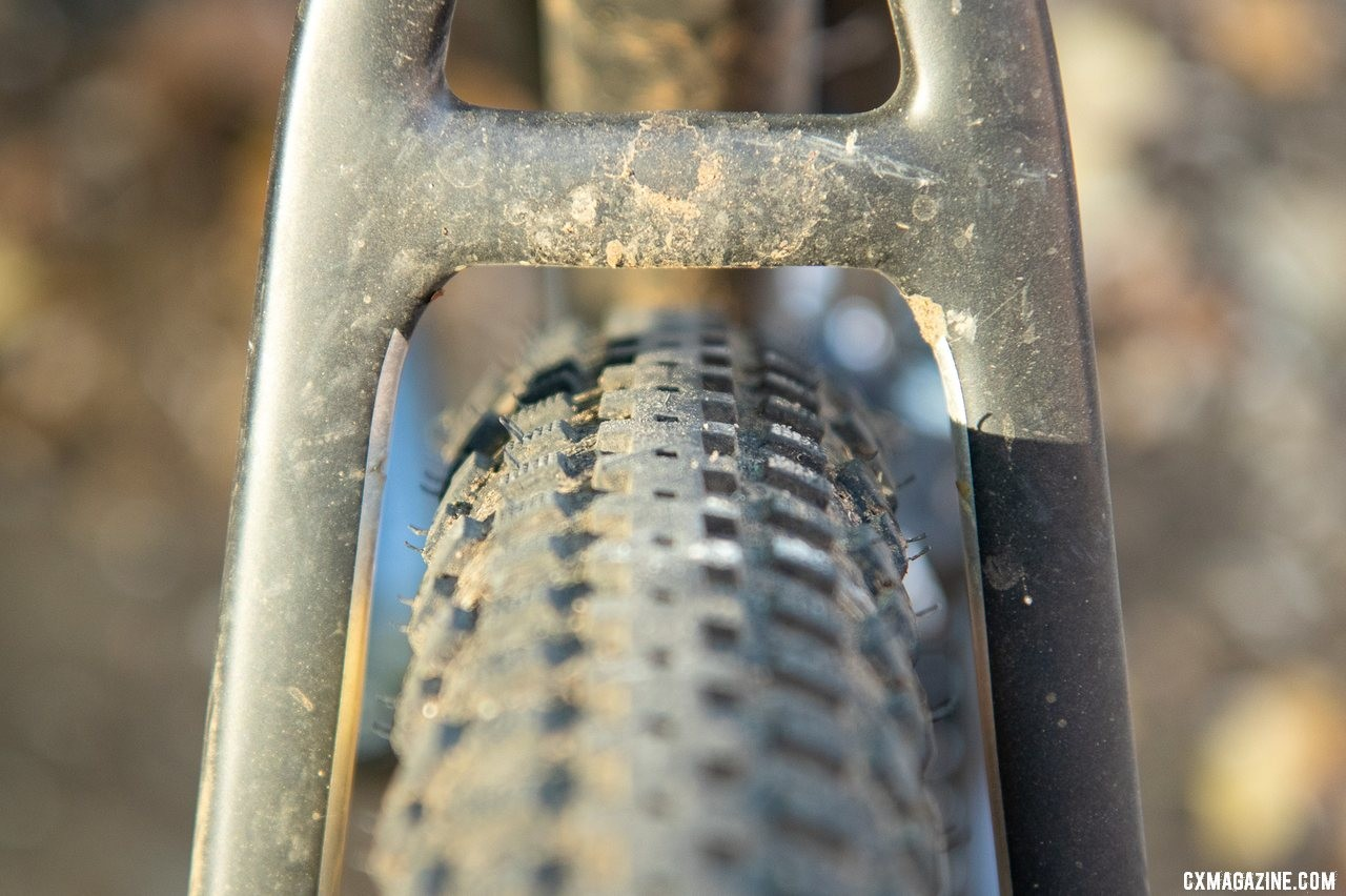 Mud clearance or tire clearance? The Viathon's G.1 carbon gravel frame and fork have both. A 50mm (47mm measured) Soma Cazadero gravel tire has some room to spare. © A. Yee / Cyclocross Magazine