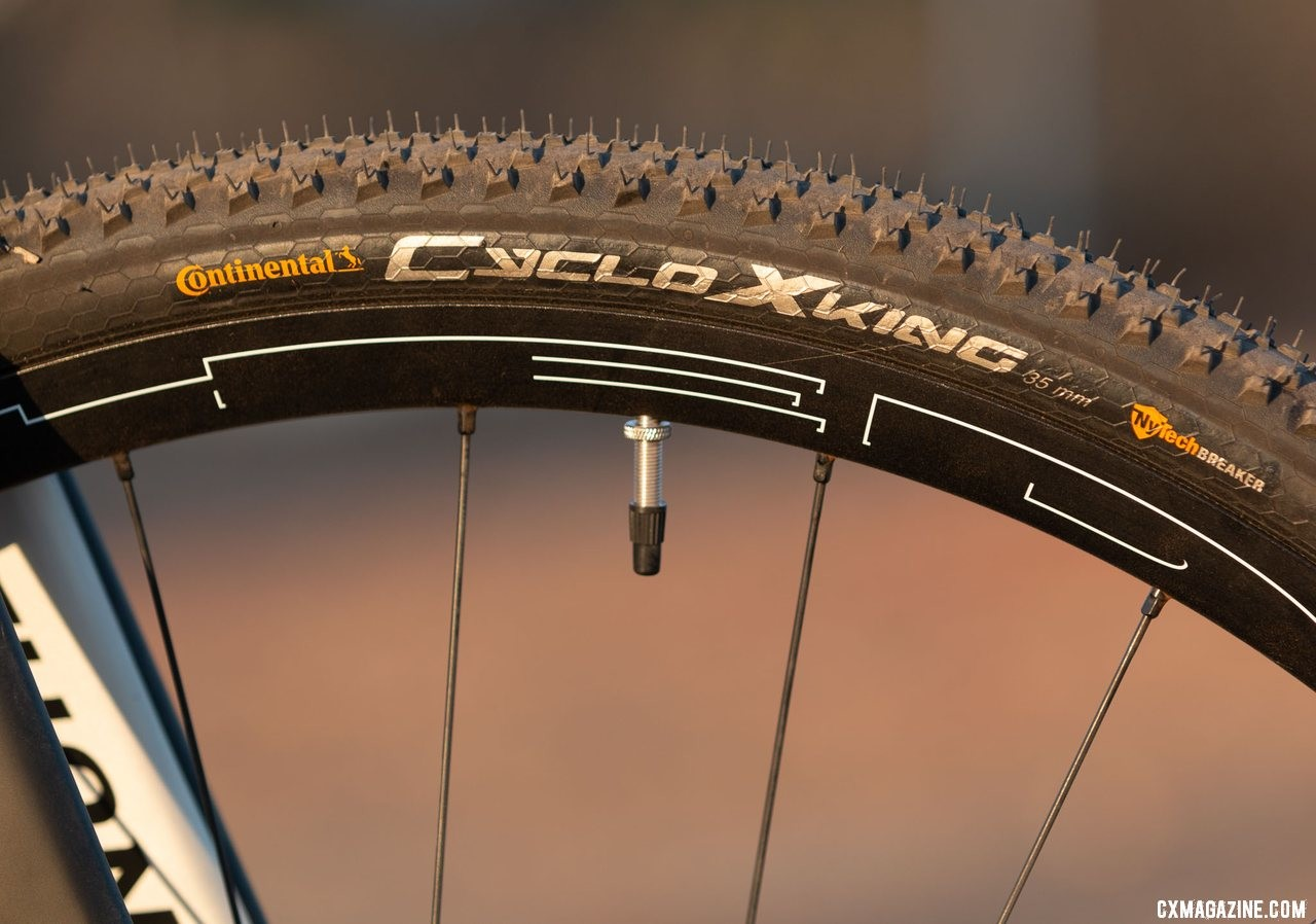 HED Ardennes tubeless wheels unfortunately come with non-tubeless 35mm Continental CycloXKing tires. Viathon's G.1 carbon gravel bike review. © A. Yee / Cyclocross Magazine