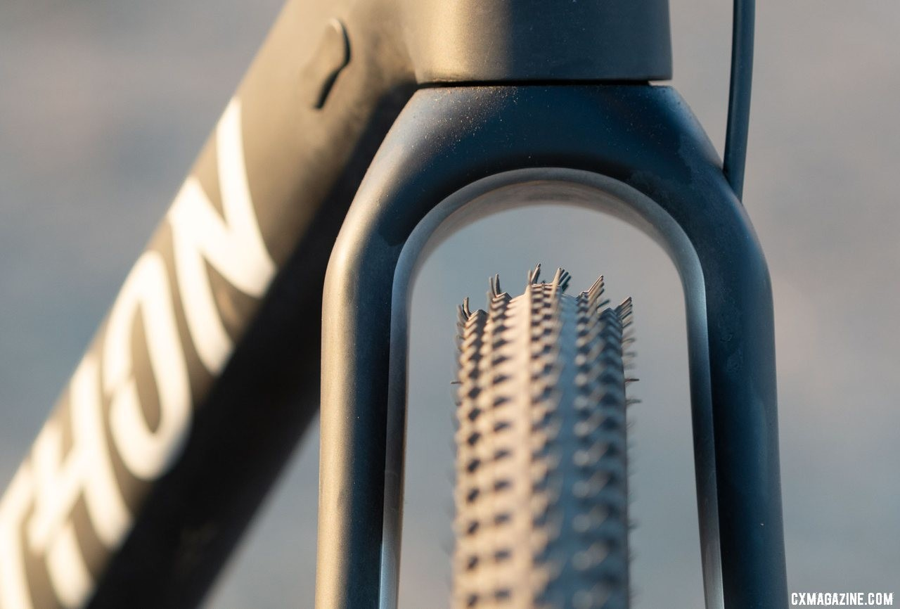 There's plenty of clearance around the 35mm Continental cyclocross tires. We've fit 47mm gravel tires, and wish the bike came with something bigger that's already tubeless ready. Viathon's G.1 carbon gravel bike review. © A. Yee / Cyclocross Magazine