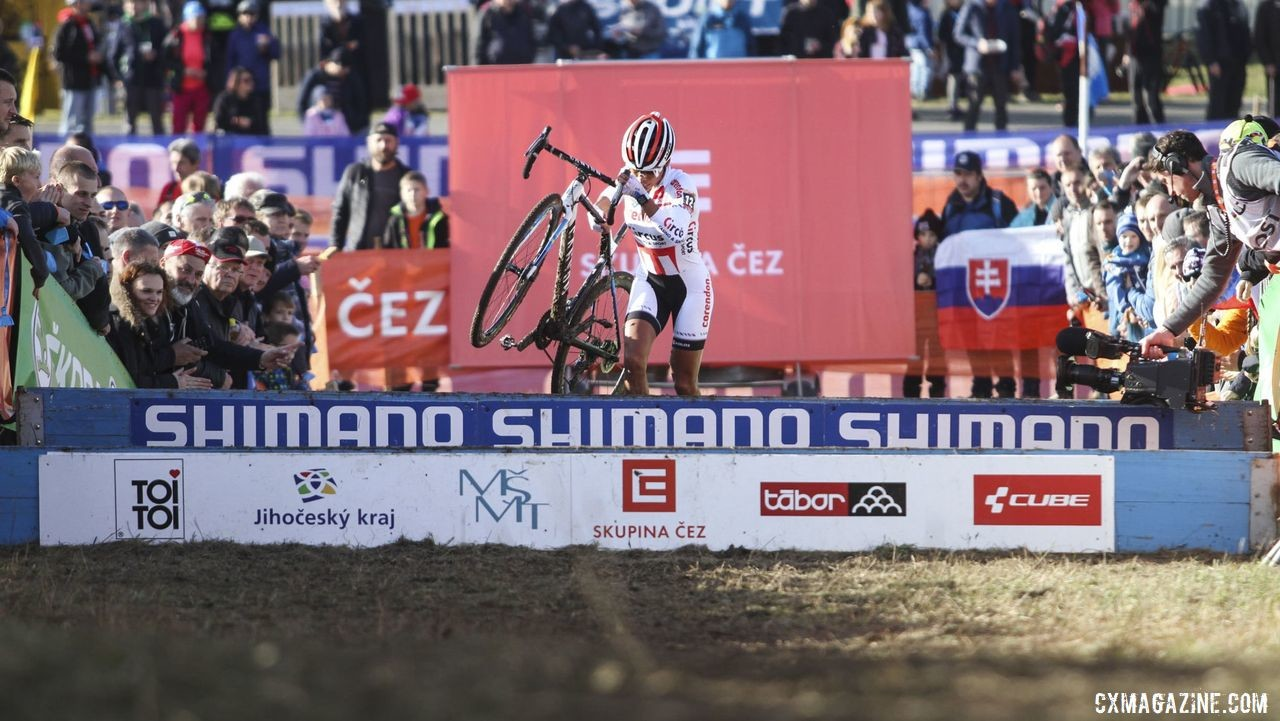 Ceylin del Carmen Alvarado led into the barriers in the first lap. 2019 World Cup Tabor, Czech Republic. © B. Hazen / Cyclocross Magazine