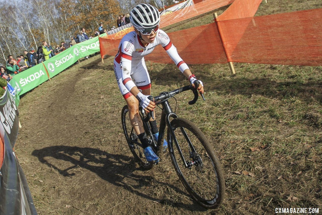 Britain's Anna Kay is among a group of young riders asserting themselves at the Elite level this season. 2019 World Cup Tabor, Czech Republic. © B. Hazen / Cyclocross Magazine