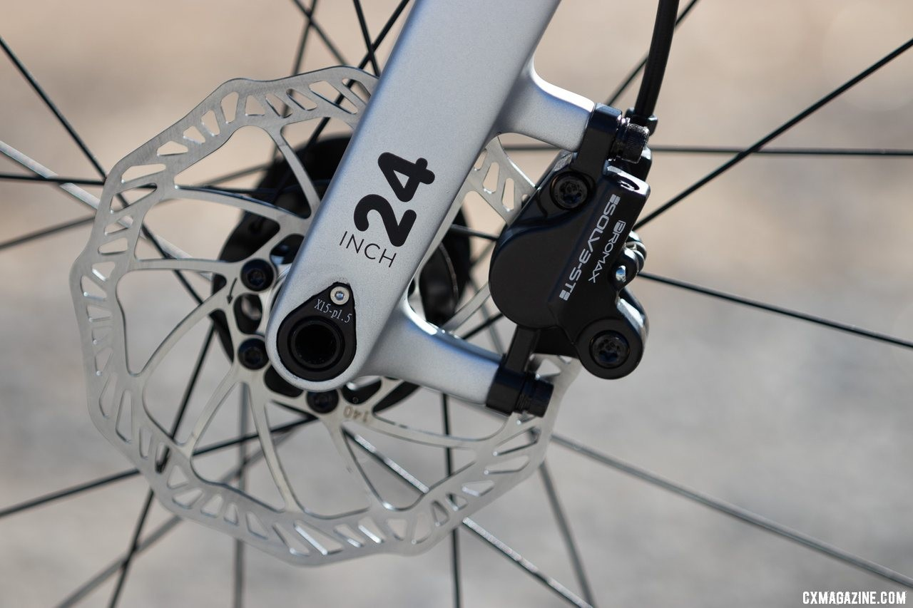 """No flat mount here. Post mount hydraulic brakes handle speed control. Woom Off 5 24"""" bike review. © A. Yee / Cyclocross Magazine"""