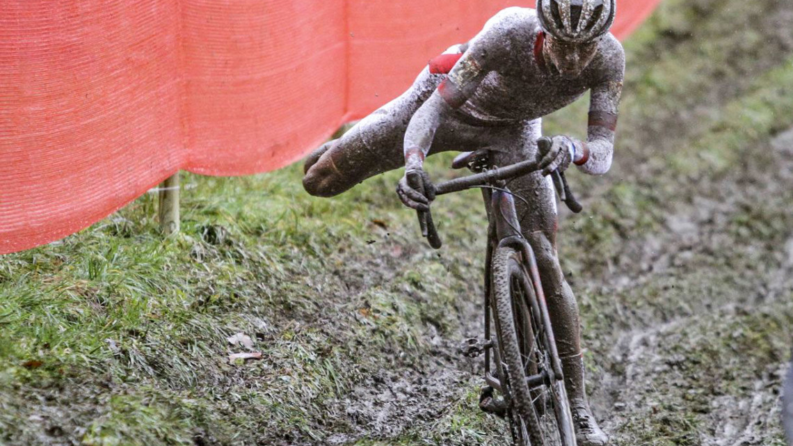 The famed rutted off-camber of Namur awaits. 2018 World Cup Namur. © B. Hazen / Cyclocross Magazine